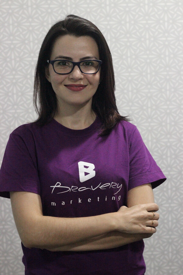 Agência de Inbound Marketing - Especialista em Inbound Marketing - Larissa Veloso - Bravery Digital Marketing